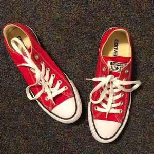 NEW - Size 7, Red Converse